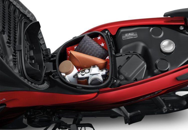 Honda Wave 110i cũng được trang bị thêm nhiều tiện ích và tính năng hơn