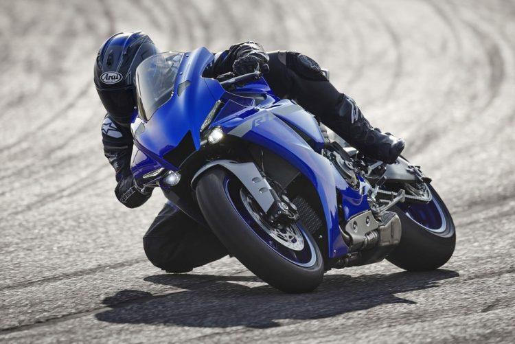 Kawasaki nghiên cứu làm mô tô với động cơ lai xăng - điện