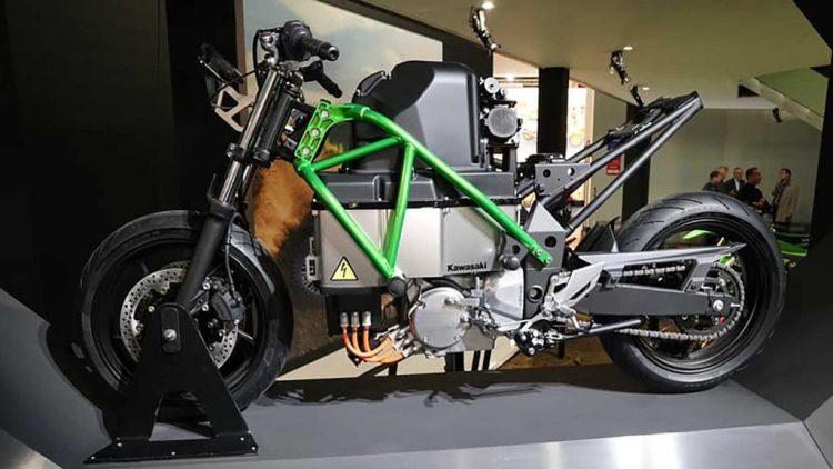 Kawasaki nghiên cứu làm mô tô với động cơ lai xăng – điện