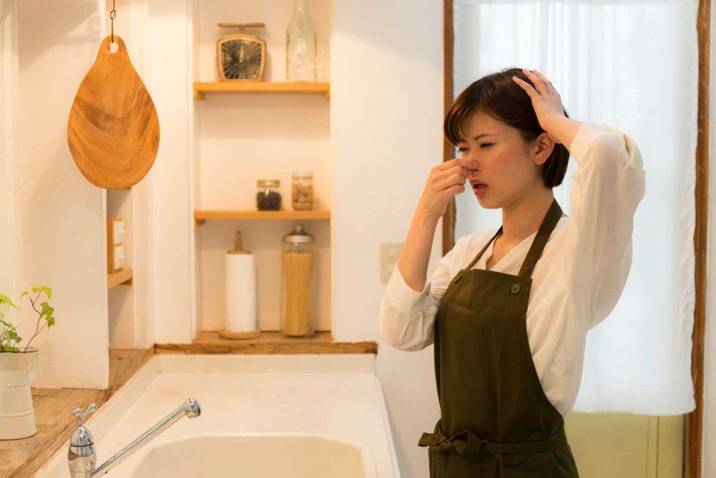 Tại sao nhà thường có mùi khó chịu và cách khắc phục