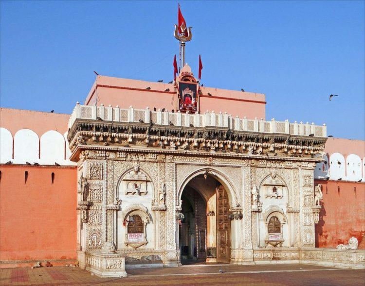 Đền Karni Mata